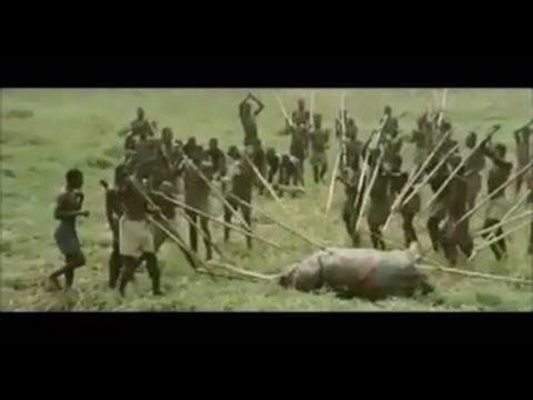 アフリカ原住民が狩りをするwidth=190