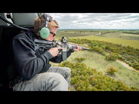 ヘリコプター上空から豚を狩るwidth=190